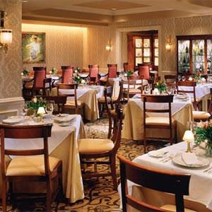 داستان موفقیت و شکست یک رستوران